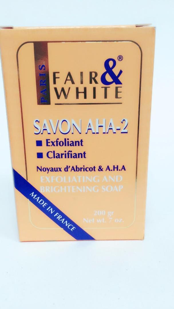 FAIR & WHITE AHA EXFOLIATING  SOAP 200GR