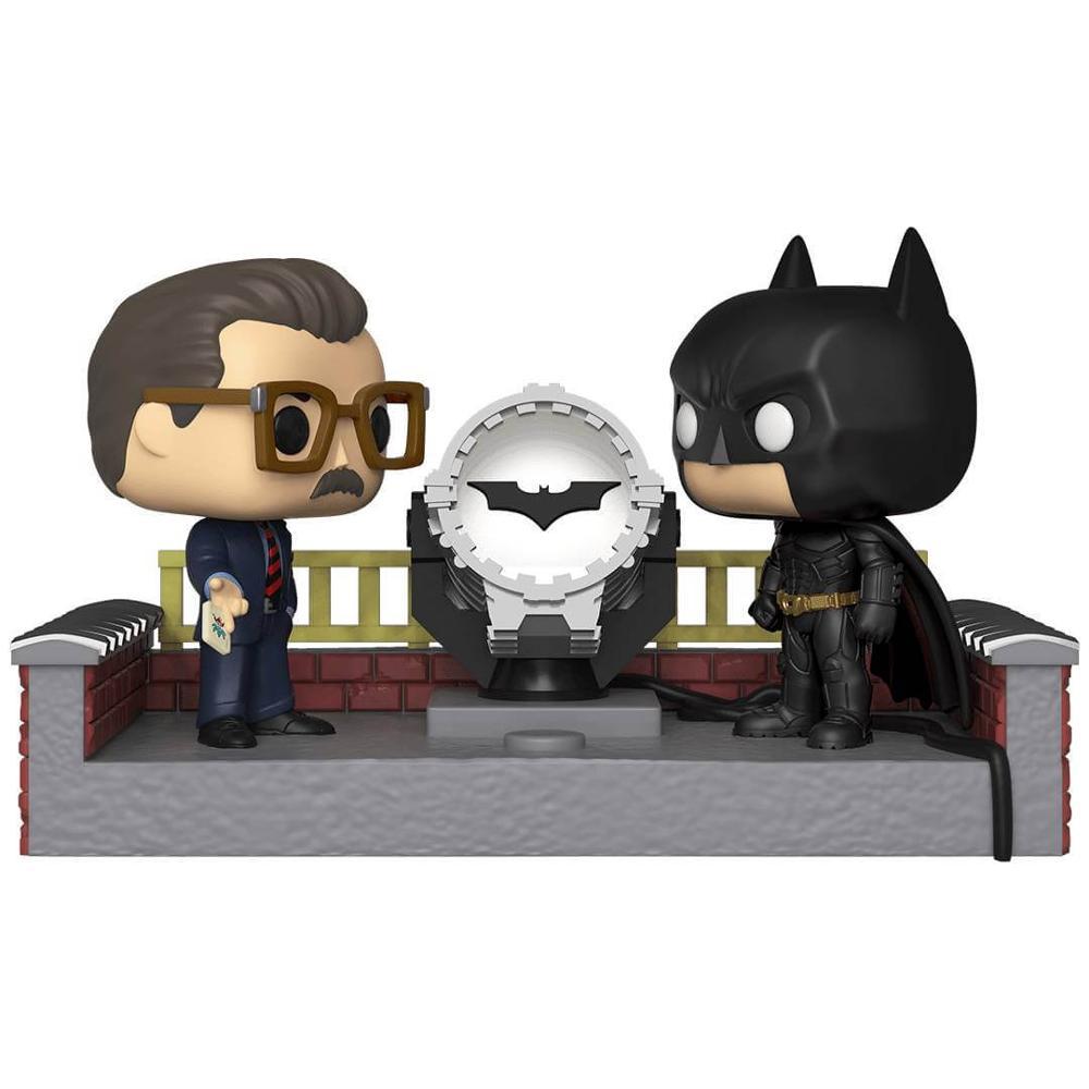 Batman y Comisario Gordon con Batseñal