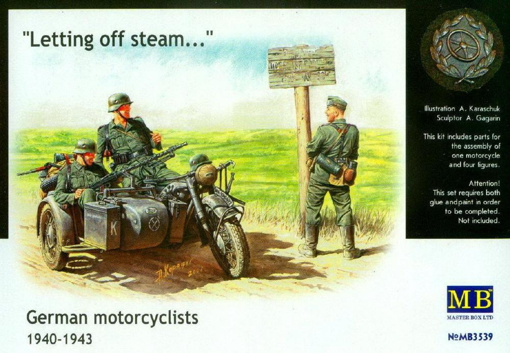 MASTER BOX 3539 German Motorcyclists 'Letting off Steam' (1940-43)