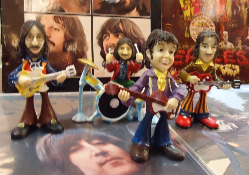 Juego  de figuras de resina The Beatles